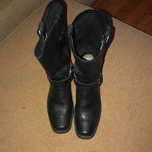 Fyre Boots Women's Size 9